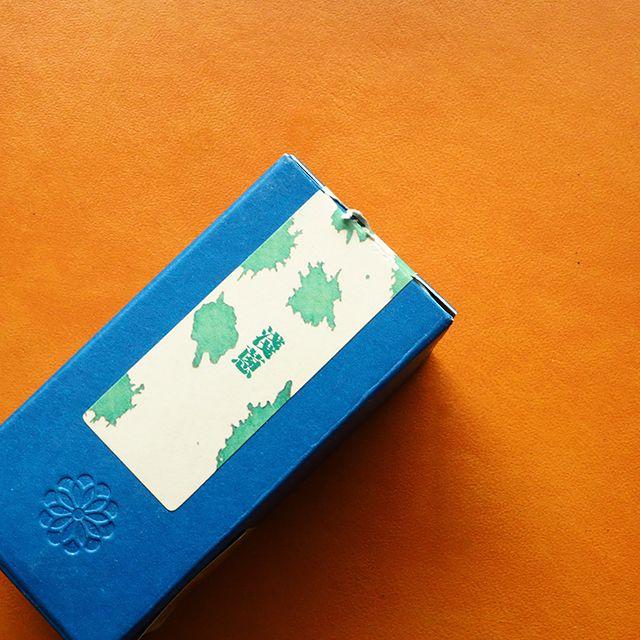 藍染めにヒントを得た青系インクの魅力~藍濃道具屋