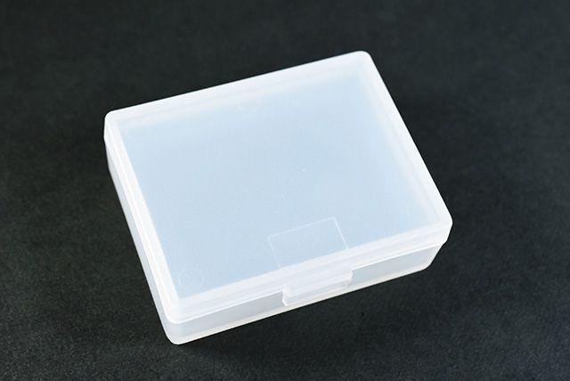 プラスチック製のケース