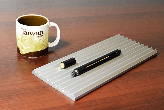 台湾から新しい風!マルチリフィル対応の「ANTOU(アントウ)ボールペン C」