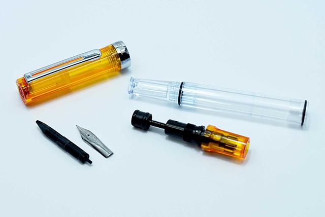 万年筆の仕組みとペットボトル~インクがスムーズに出てくる理由~