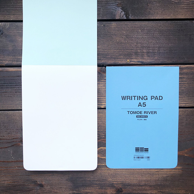 今すぐ使いたい「書く」にこだわった山本紙業の「コスモノート」「WRITHING PAD A5」